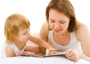 детские игры, дети, детям, занятия с детьми, читает малышу, чтение